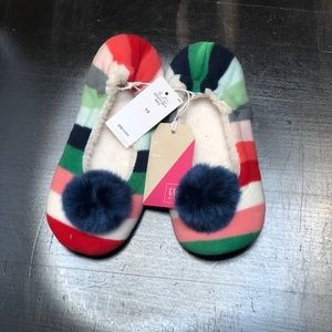 NWT Gap multicolored slippers -girls 1/2